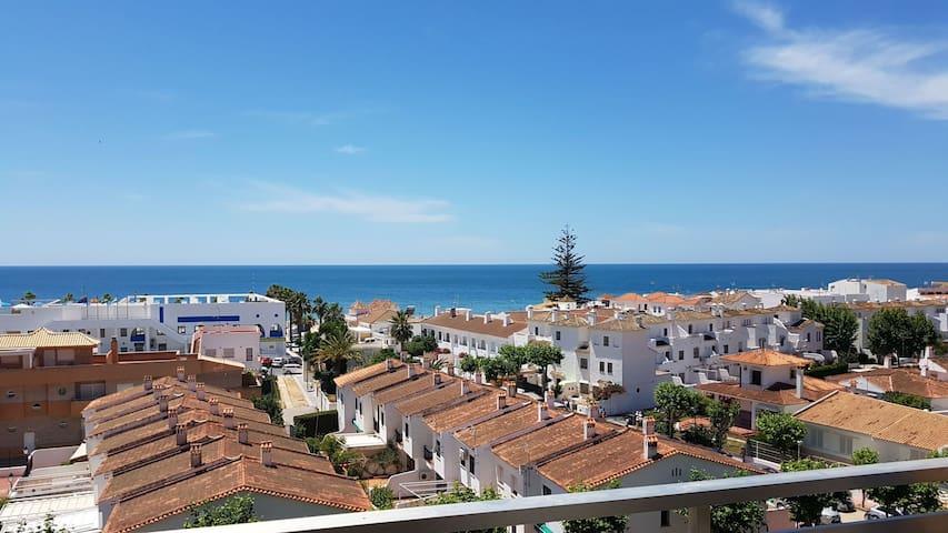 Apartamento vistas al mar y aparcamiento. Antilla