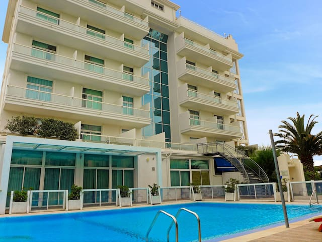 """Stella Marina"", 2-room apartment 38 m² Excelsior for 4 persons"