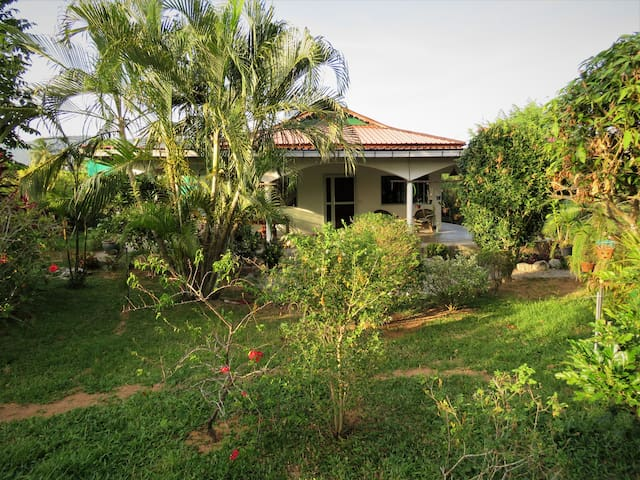 Orchid Villa -  secluded in large garden & orchids
