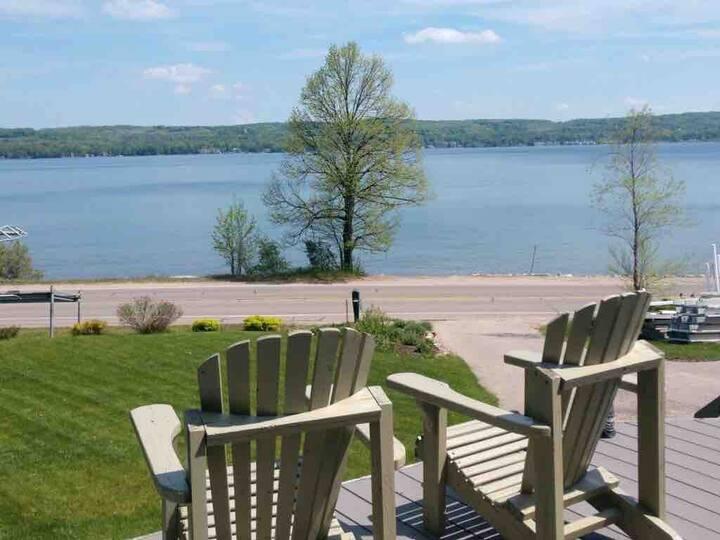 Boyne City Lakefront home - Lake Charlevoix