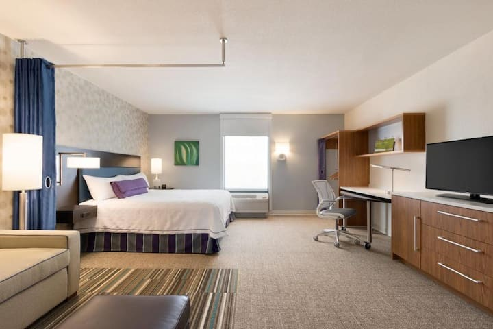 Entire Suite Double Bed Non Smoking At Highlands Ranch