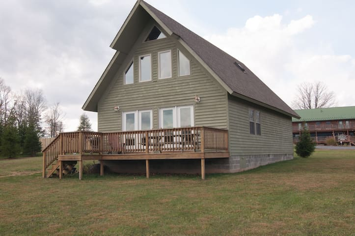 Three Bears in the Valley - Spectacular View! Outdoor Hot Tub, Community Pool, Pet Friendly!