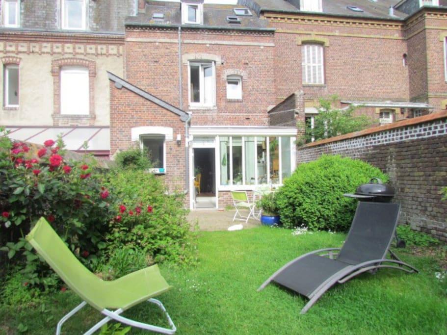 Maison avec jardin centre ville dieppe case in affitto for Piscine haute normandie