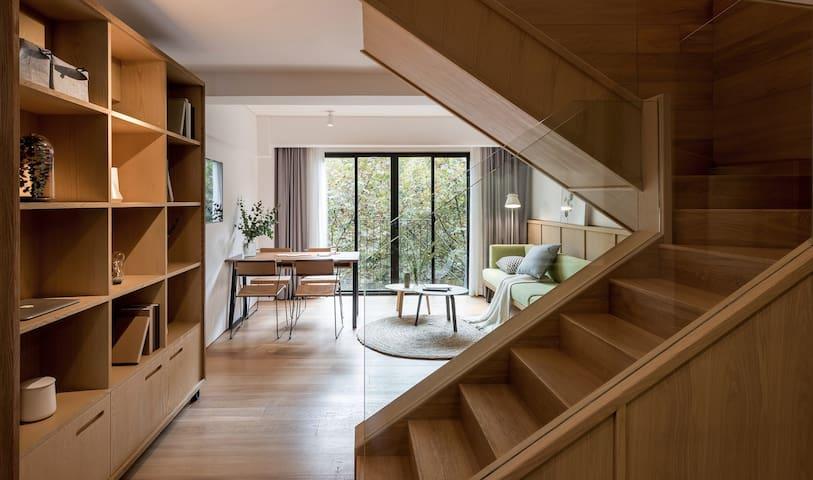 后社西岸两房复式套房-Cohost Two Bedroom Loft