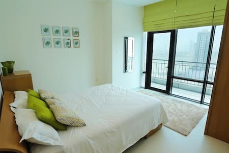 Fully furnished 3 bedroom 14floor sea view