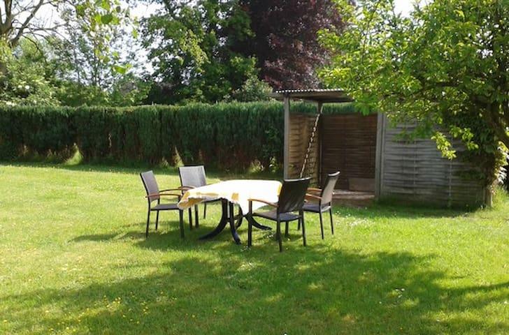 Freistehendes Ferienhaus mit Garten - Esens - Huis
