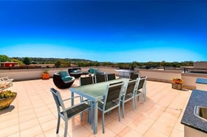 Relaxed, Northern Beaches, Perfect!