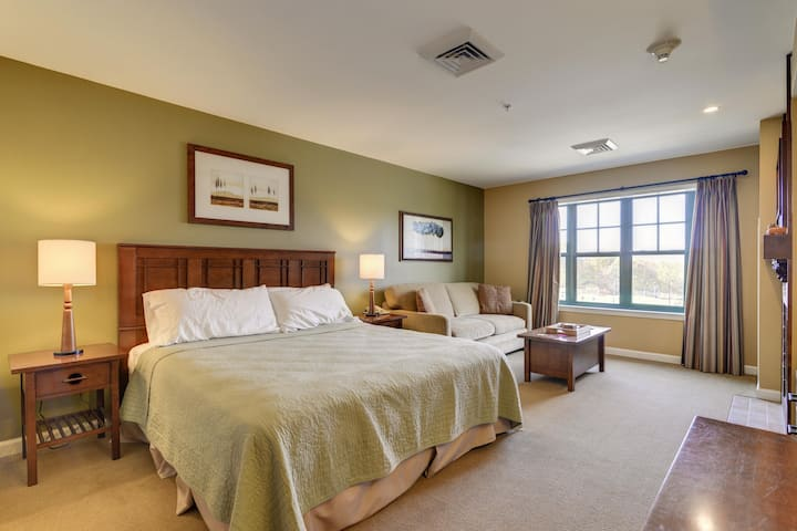 Falcon Ridge - Valley Views-Skiing-Hiking-Wineries-WiFi-50 miles from NYC