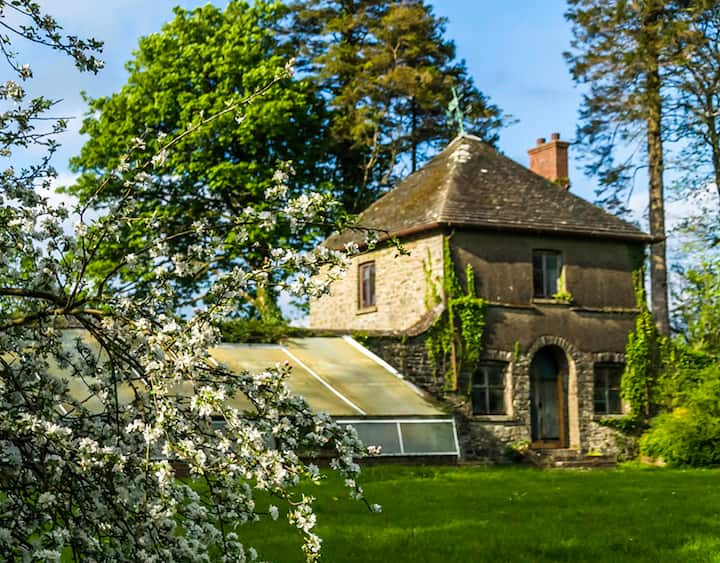 The Summer House @ Derwydd Mansion