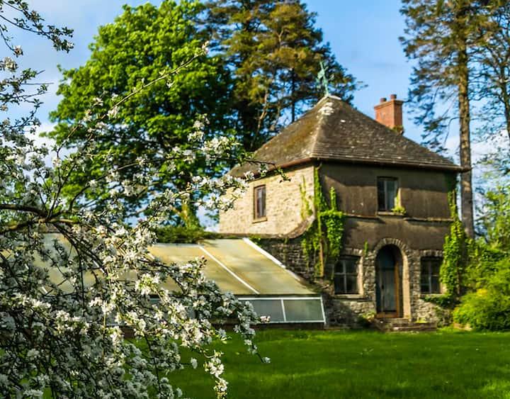 The Summer House @ Derwydd Mansion