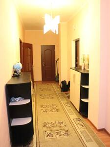 2- комнатная квартира 84 м2 - Wohnung