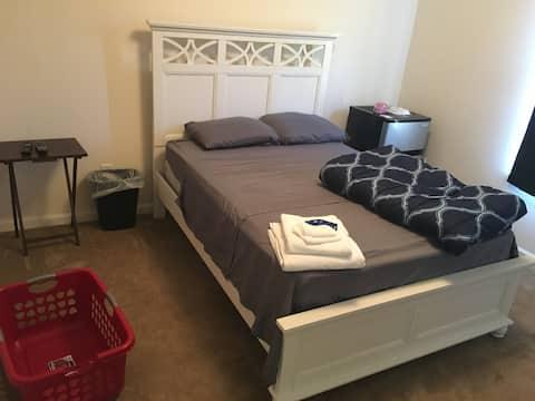 Elegant Room  2- Weekly/MONTHLY Bookings  Welcomed