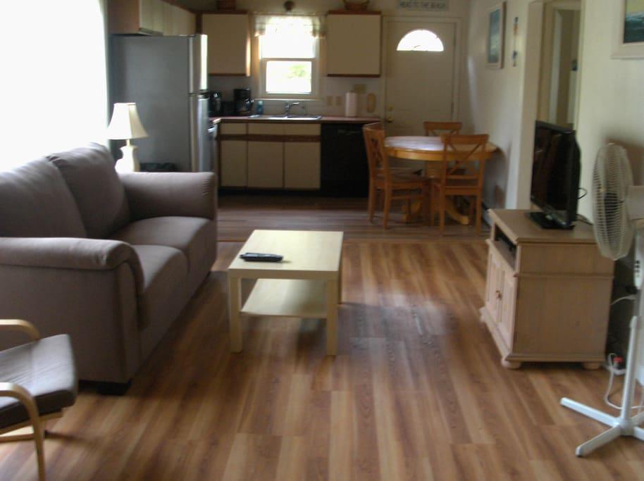 Open kitchen/living room area