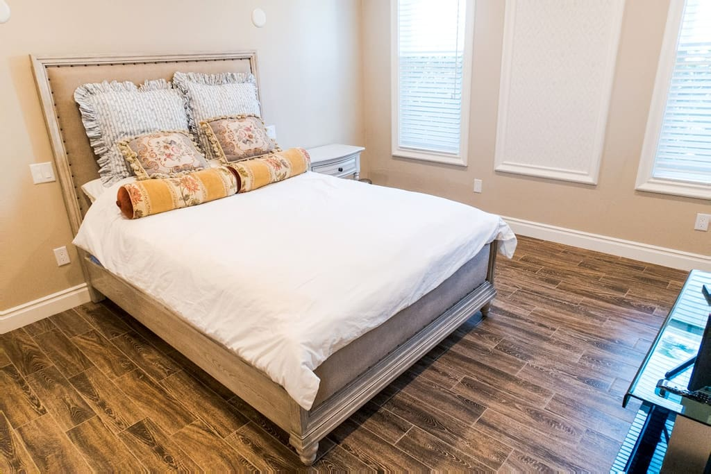 """Brand new  Simmons """"Beautyrest"""" top-rated mattress for a perfect night of rest"""
