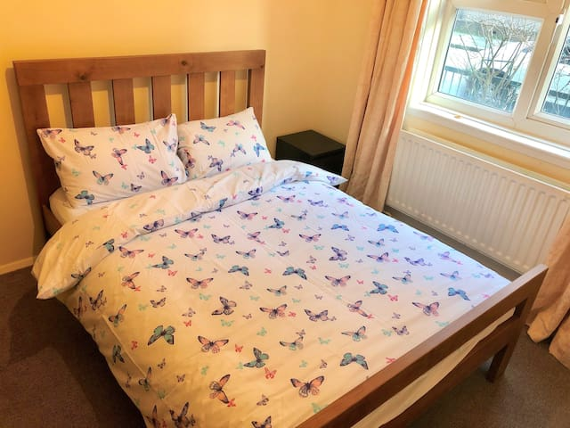 3C CAMDEN TOWN LOVELY DOUBLE ROOM CENTRAL LONDON.