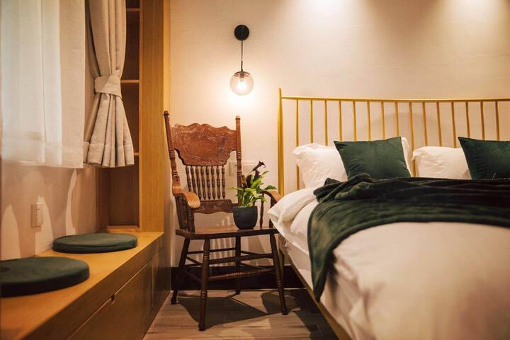 「陋室」 已开放 有折扣 新中式舒适小屋带院儿 火车站地铁口旁 步行五分钟至南塘老街 月湖 天一阁