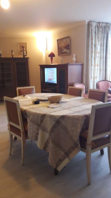Appartement meubl 4 places bld clemenceau appartamenti for Monsieur meuble saint brieuc