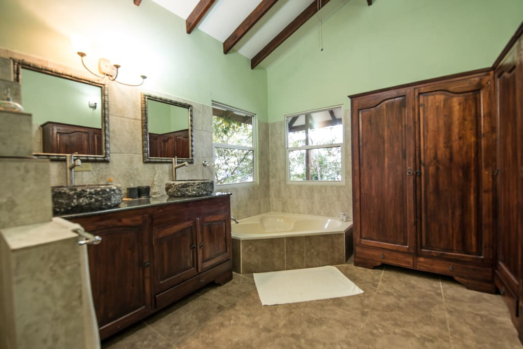 Luxury bath with oversized tub