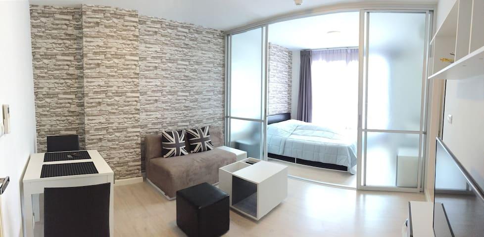 Modern room , new&clean , pool