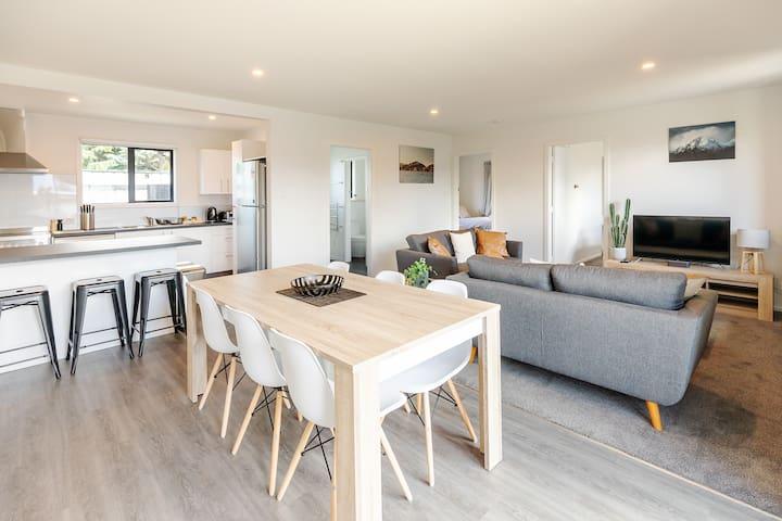 The Willows Wanaka - 3 bdr Apartment Garden View