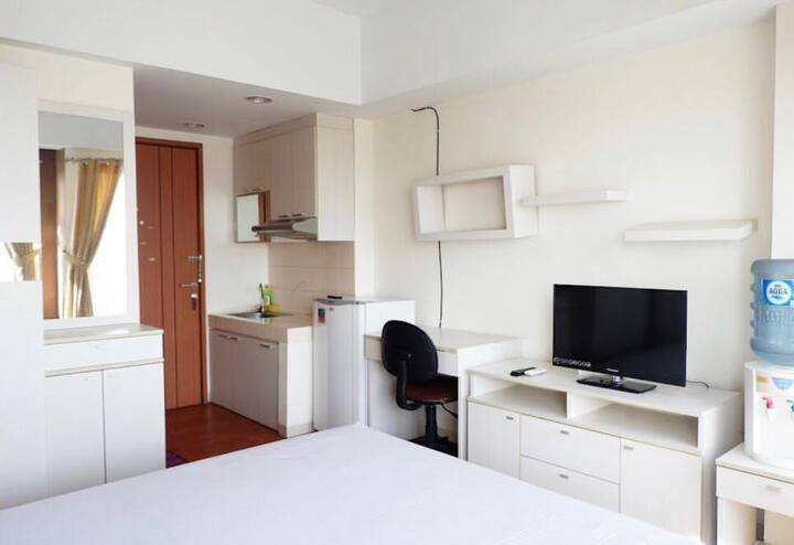 Studio Room at Sartika Apartment