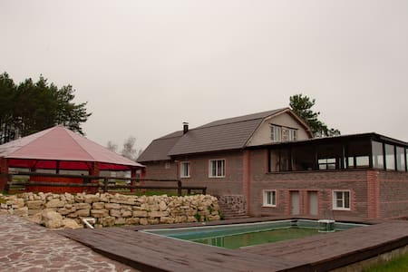 Дом 800 м² на участке 30 соток от собственника.