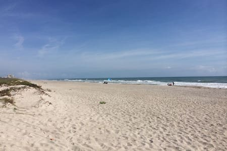 Villa Wavecrest at the Sea