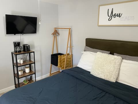 Comfortable and Stylish room at Citrus Park, Tampa