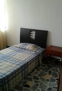 Comoda habitacion privada - Pereira - Bed & Breakfast
