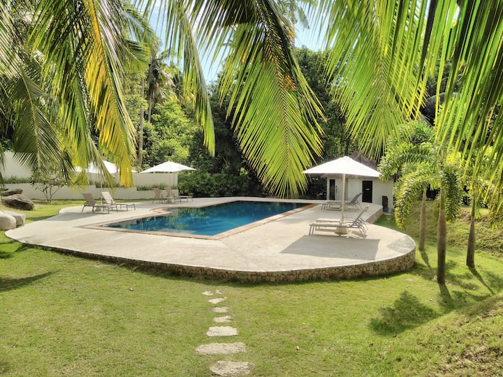 Woodlawn Villas Resort  (3 Bed, Air Con Villa)