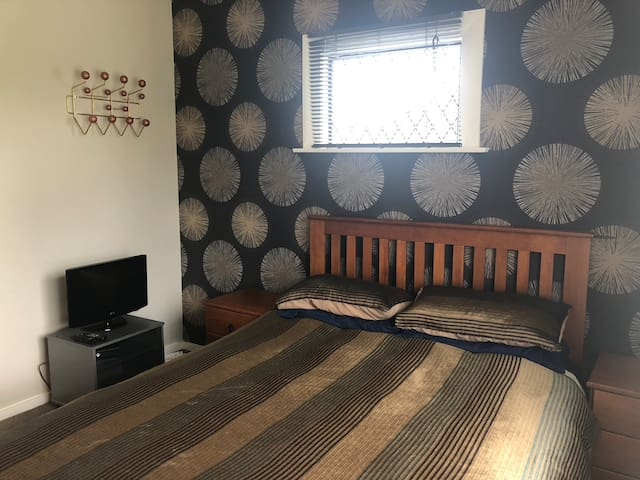 Quiet Double Room on Riselaw