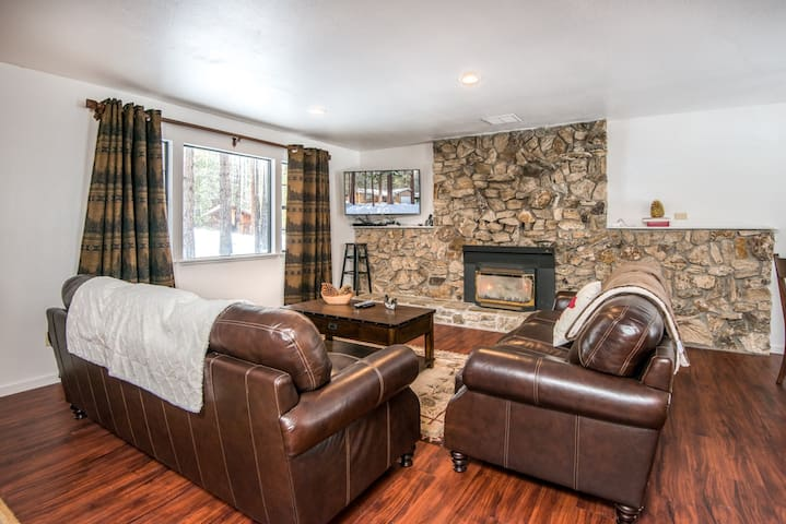 Great ski house minutes to Heavenly - South Lake Tahoe - House