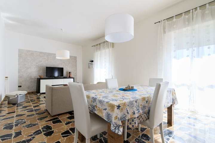 Charming sunny apartment south Sardinia - Carbonia - Apartment
