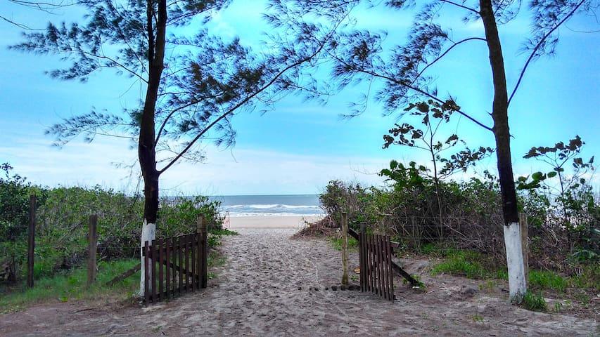 Kitinete c/Mar e Rio-Melhor localização da cidade - Itapoá