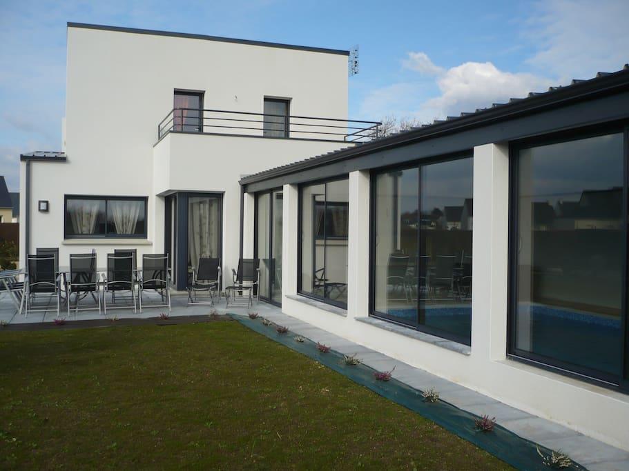 Villa piscine interieure la mer et la ria d 39 etel villas - Villa bretagne piscine interieure ...