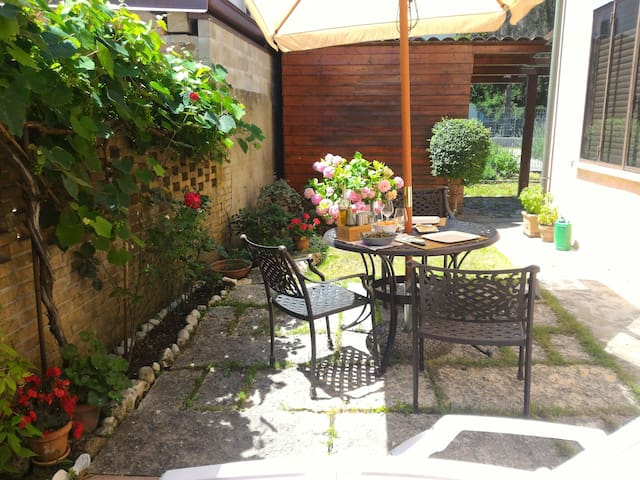 Casetta con giardino e parcheggio - ปาโดวา - บ้าน
