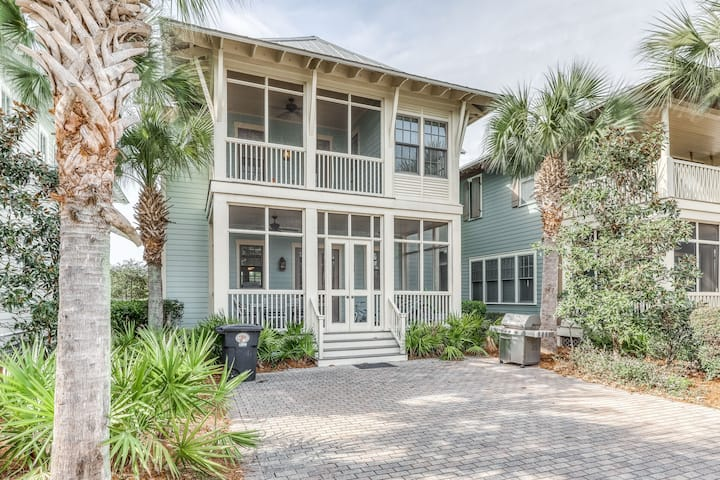 Gorgeous home w/ ocean view, WiFi, shared pool, hot tub, & screened-in porch!