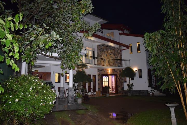 Elagolla Residence Homestay