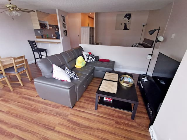 Cozy suite in Brewery District FREE U/G parking