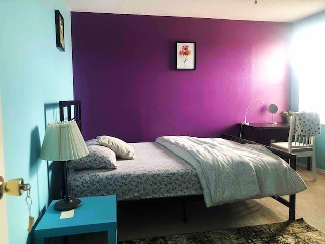 Nice Cozy Room in Grand Prairie house - Room 'A'