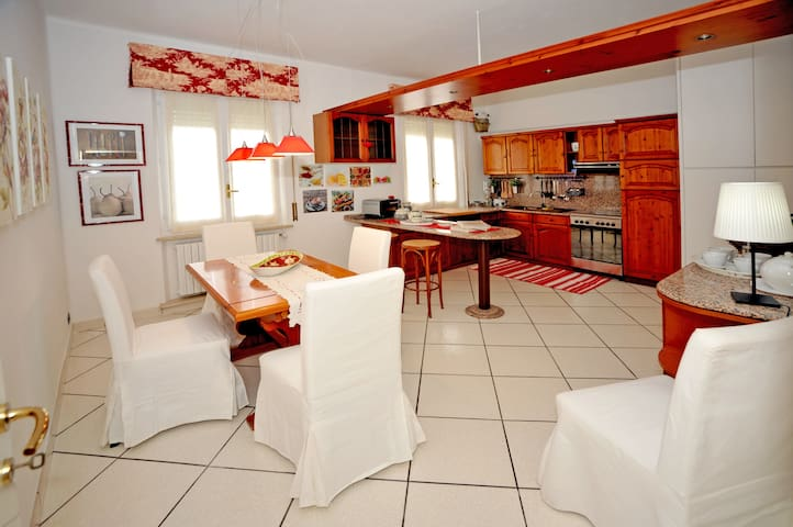 Casa Hanna: nuovissimo! - Loreto - Lejlighed