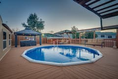 POOL%2C+HOT+TUB%2A+and+RECREATION+BIG+GROUPS+MANSION