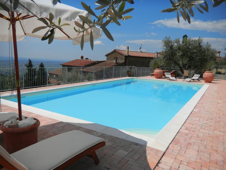 Tuscan apartment and pool ,Vinci/Casetta