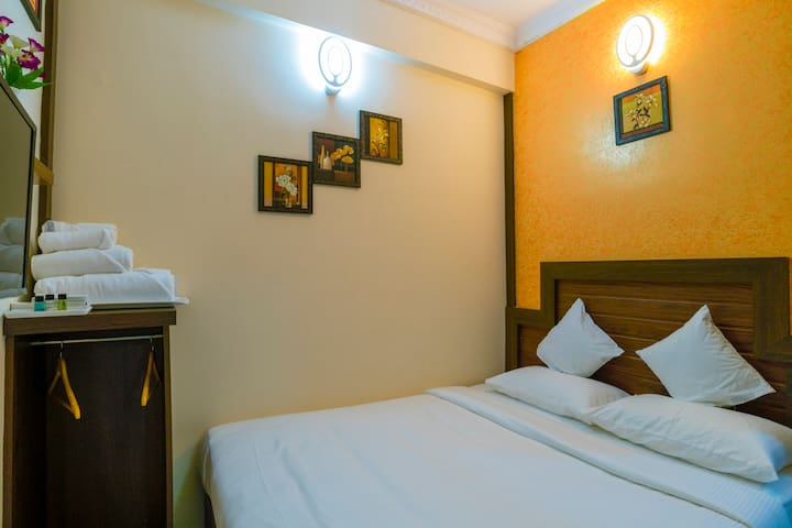 Well appointed, Premium room near Cochin Airport