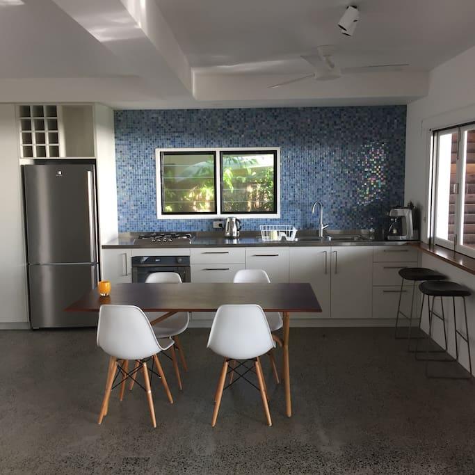 kitchen, has oven, gas cooktop, dishwasher, Fridge/freezer, Jug, toaster and coffee machine