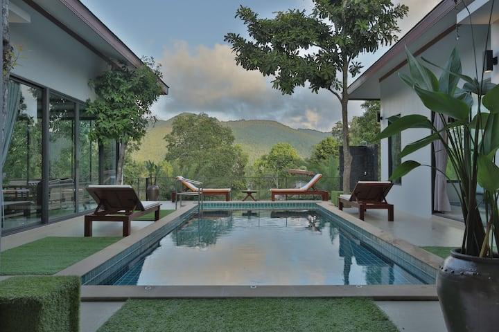 Baan Thanompol 4 Bedroom Pool Villa