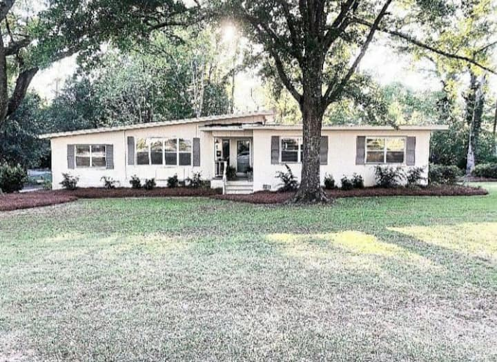 In the heart of Dothan - The Dothan Dollhouse
