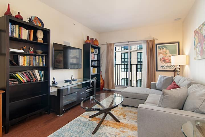 1 Bedroom in Gaslamp + 1 Parking space