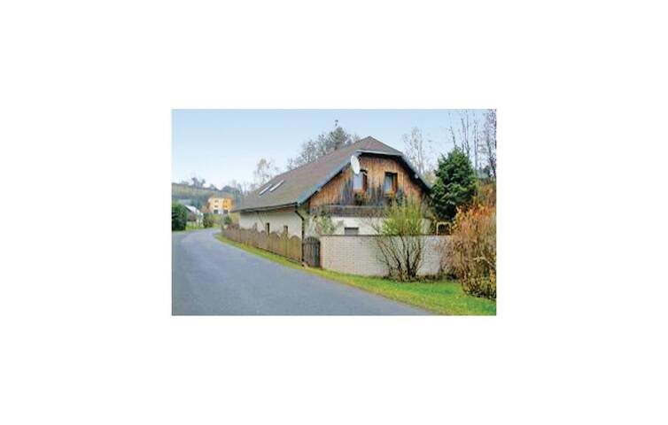 Holiday cottage with 4 bedrooms on 157 m² in Studenec