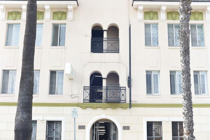 Greenleaf Hotel